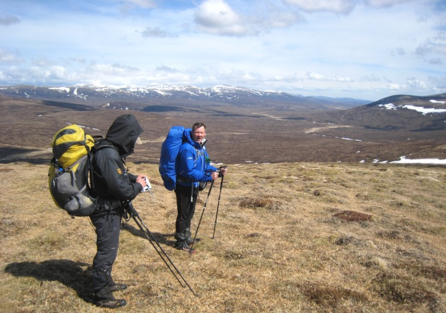 PHIL & ANDY, GLAS-LEATHAD FESHIE, WITH CAIRNGORMS & MEALL TIONAIL