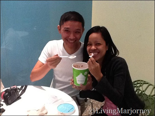 LivingMarjorney with BloggerManila at Pinkberry