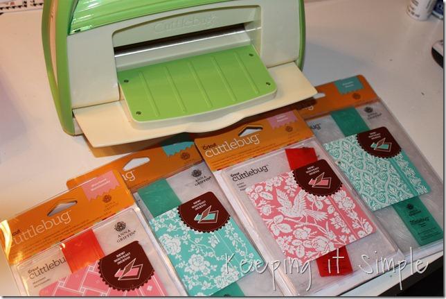 tissue paper pom pom (1)