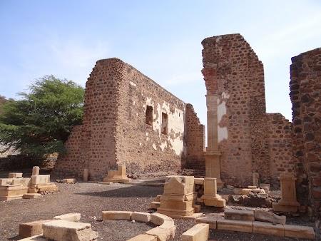33. Ruine catedrala din Cidade Velha.JPG
