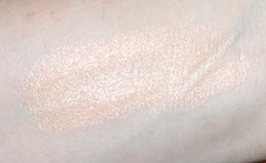 Vapour Organic Beauty Atmosphere Luminous Foundation_swatch 110