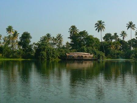 09. Kerala backwaters, India.JPG