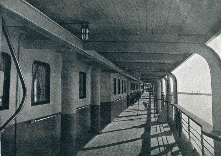 Leon XIII.Modificaciones en la cubierta de paseo.LIBRO DE OBRAS. SE de CN. AÑO 1922.jpg