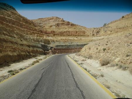 19. Drumul spre Marea Moarta.JPG