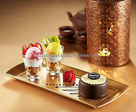 Haagen-Dazs Mooncake dine in ice cream Autumn Creations Haagen-Dazs Mango passion fruit strawberry ice cream  fresh kiwis, strawberries, crunchy waffle chip whipped cream miniature glasses Moonlight Resonance chocolate mango sauce