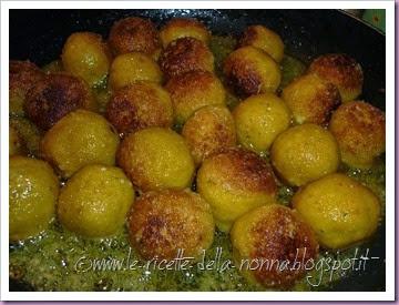 Polpette di zucca vegetariane al sugo di pomodoro e funghi (11)
