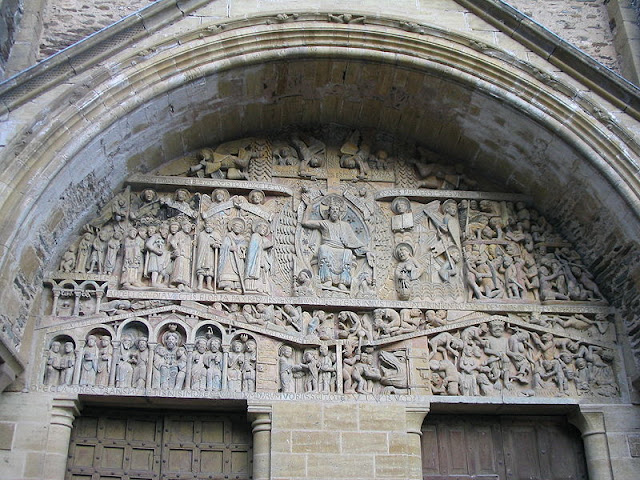 Conques_doorway_carving_2003_IMG_6330.JPG