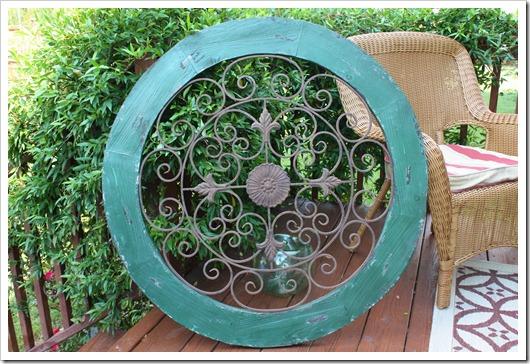 green iron and wood circle