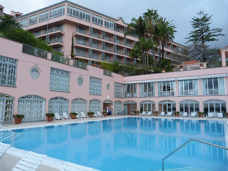 Cazare Madeira: piscina Reid's Palace