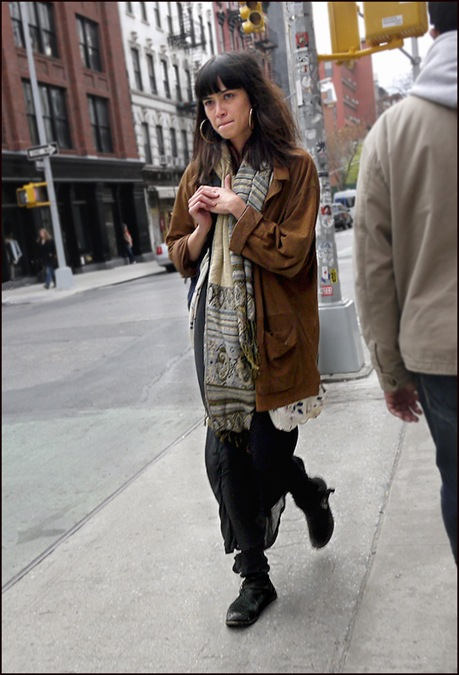 w boho chic long brown coat long black skirt beat black boots 2a  ol
