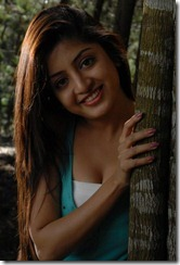 poonam_kaur_closeup_photo