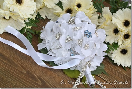 vintage brooch bouquet 3