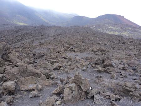 Atractii Sicilia: vulcanul Etna - Peisaj selenar