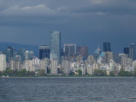 Imagini cu zgarie nori din Canada