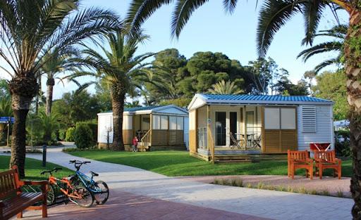 Els bungalous Cottage Junior del Tamarit Park Resort