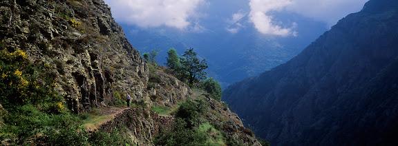 Camí cap a la vall de CarlacBausen, Baish Aran, Val d'Aran, Lleida