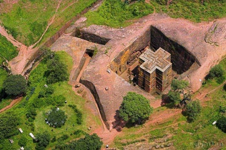 churches-lalibela-1