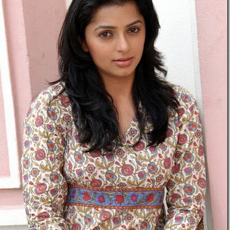 Actress Bhumika chawla latest photogallery.