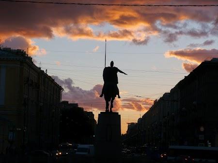 Circuit Rusia: Apus de soare la St. Petersburg
