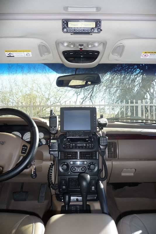 kenwood dualband install in 2003 jeep grand cherokee wj. Black Bedroom Furniture Sets. Home Design Ideas