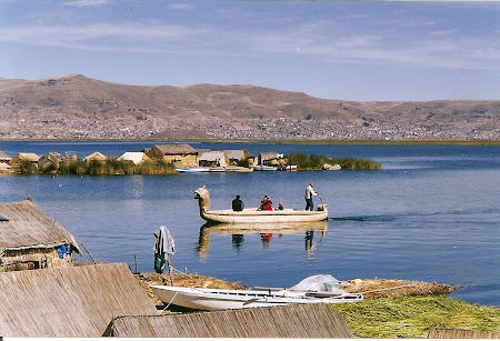 2001 pluta din trestie lacul Titicaca.jpg