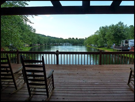 07d3 - Rivers Edge RV Park, View of Lake from Clubhouse Deck