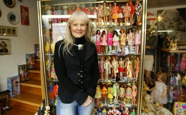 largest-collection-of-barbies