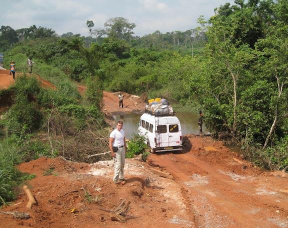 La piste vers le Bia National Park (Ghana), 19 décembre 2009. Photo : Henrik Bloch