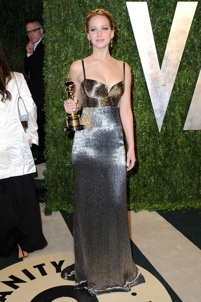 Jennifer Lawrence arrives at the 2013 Vanity Fair Oscar Part