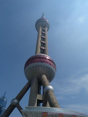 14. turnul televiziune Oriental Pearl Shanghai.JPG