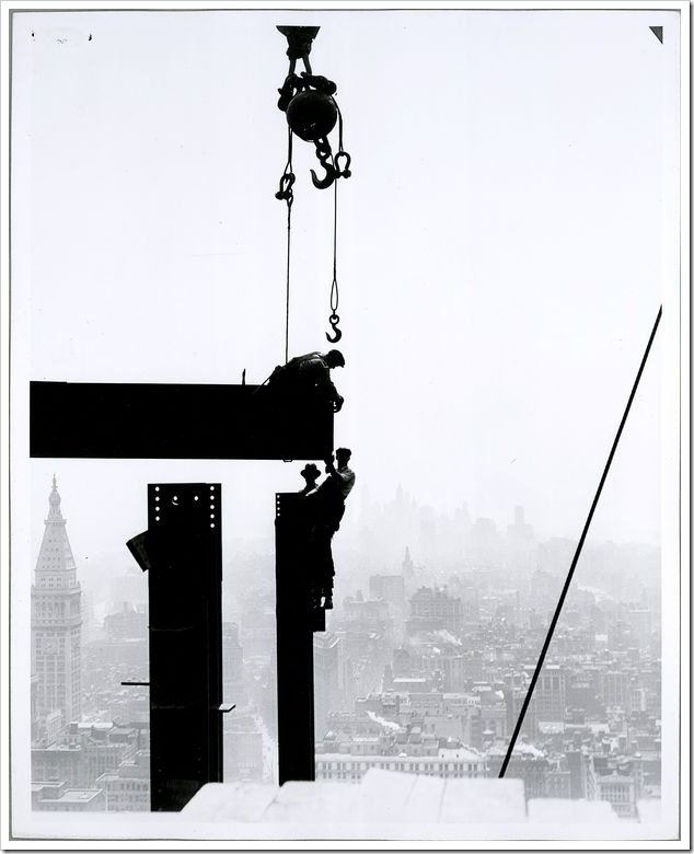 Workers-on-Empire-State-building-1931-3
