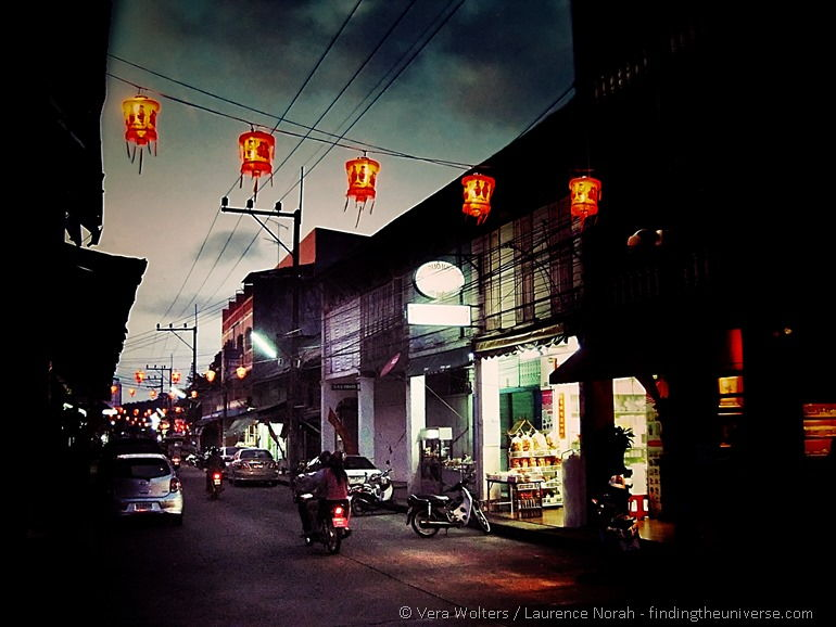 Chinatown chinese lanterns Songkhla Thailand_Snapseed