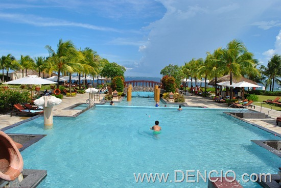Crimson Resort and Spa Mactan 21