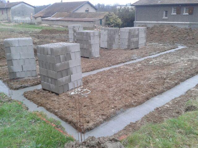 la construction de notre maison sur chatillon fondation. Black Bedroom Furniture Sets. Home Design Ideas