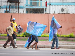 Boulevard du 30 juin à Kinshasa, les premières réactions après l'annonce provisoire des résultats de l'élection  présidentielle en RDC, le 09/12/ 2011. MONUSCO / Myriam Asmani