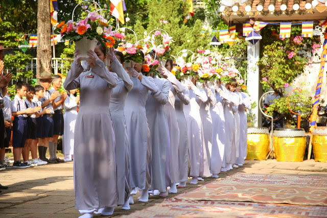 IMG 1785 Đại lễ Phật đản PL 2557 tại Tu viện Quảng Hương Già Lam
