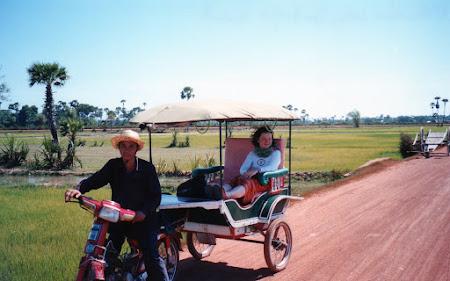 Cu tuk tuk in Cambogia