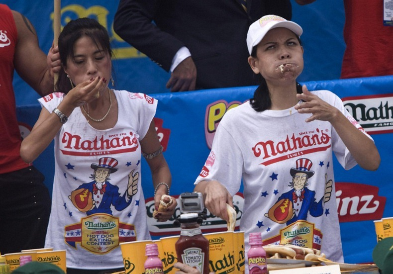 hot-dog-eating-contest3