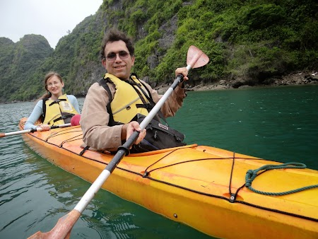 20. Caiac in Halong Bay.JPG