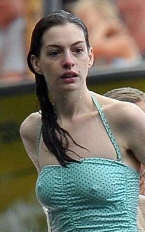 Anne Hathaway de vacaciones con su novio