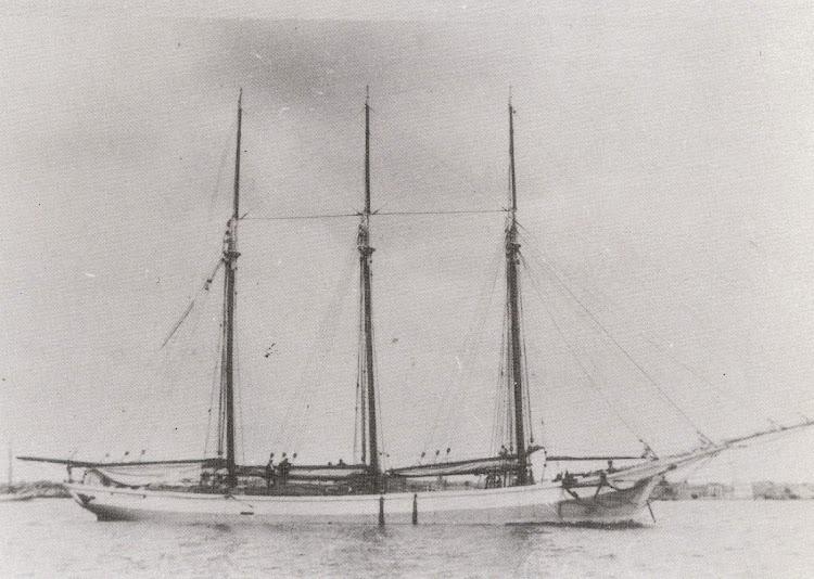 Pailebot RAMON FREIXAS en lugar y fecha indeterminados. Del libro Naufragis a la Mar de l ´Ebre.jpg