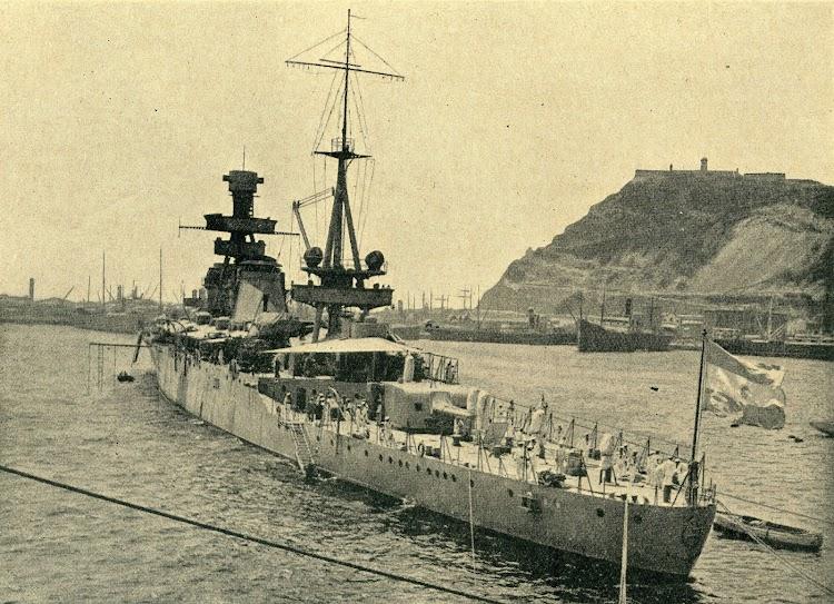 Vista de popa del 25 DE MAYO. Foto de la revista Iberica. Edición de 29 de agosto de 1931. Foto Branguli.jpg