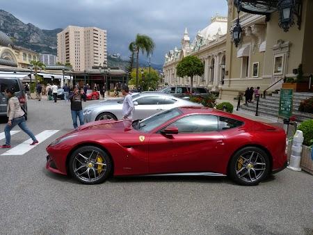 05. Ferrari la cazinoul din Monaco.JPG