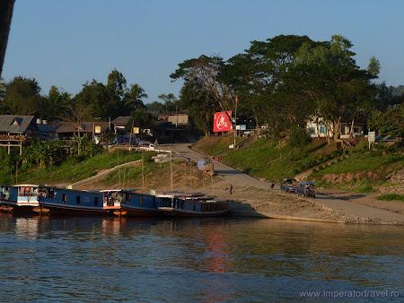 Port Houey Xay, Laos