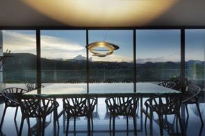 sillas-de-diseño-casa-galeria-mach-arquitetos