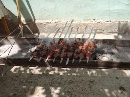 08. Kebab - frigarui uzbece.JPG