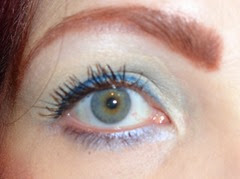 wearing gel eyeliner waterproof in blue lagoon