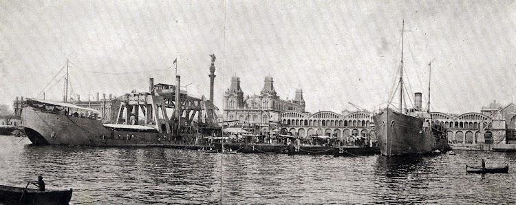 Agrupación de submarinos y torpederos con sus nodrizas; el KANGURO y el ALMIRANTE LOBO. De la Memoria del puerto de Barcelona. Años 1922 y 1923.JPG