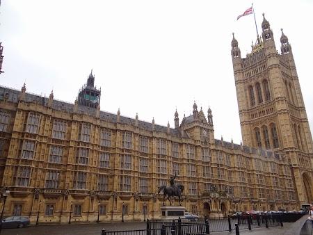 4. Palatul Parlamentului.JPG