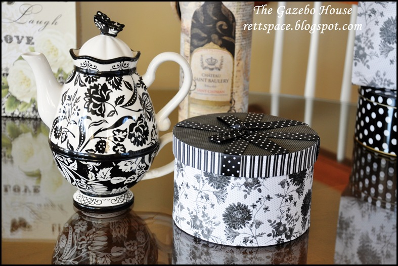 black & white damask table 007